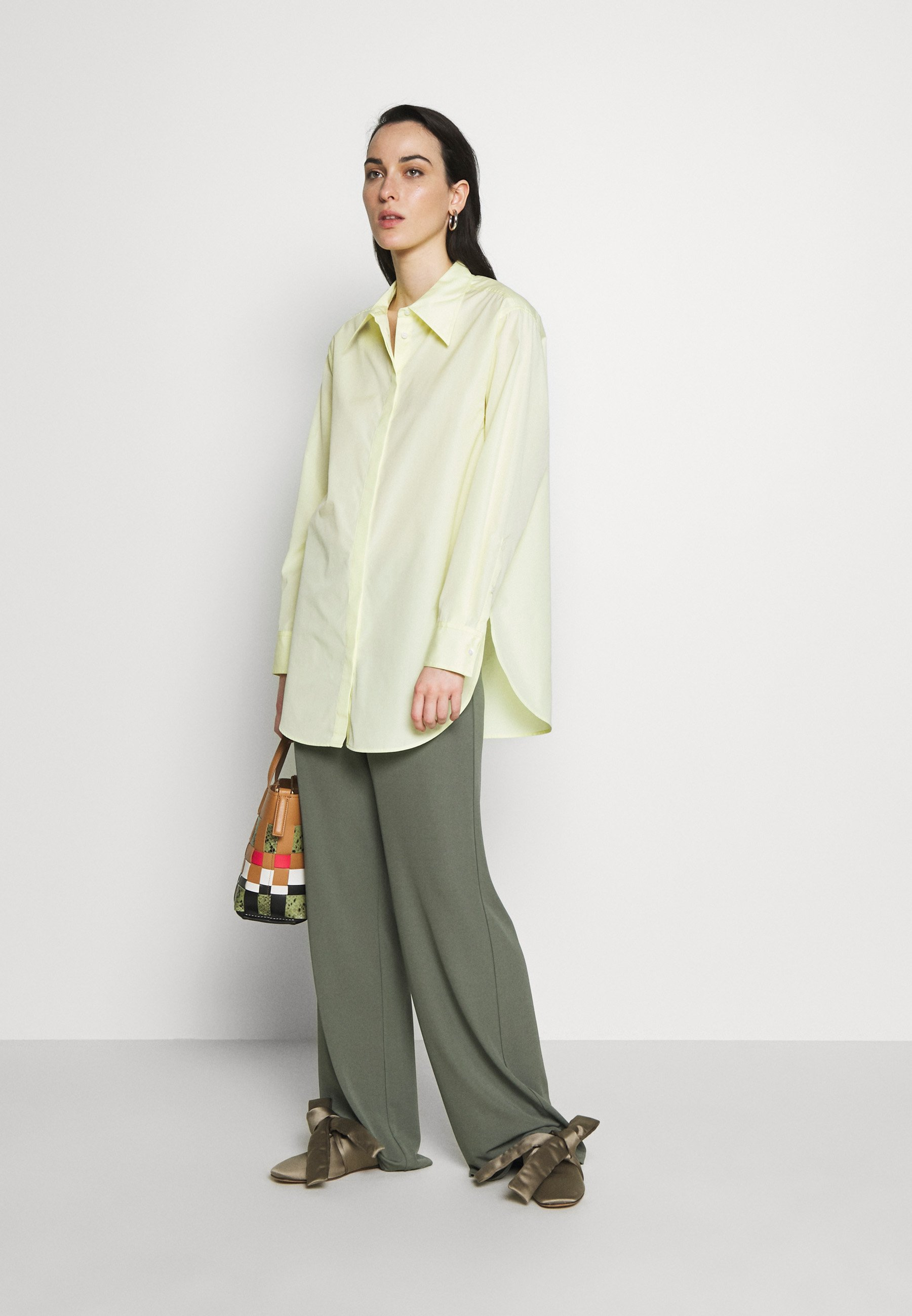 3.1 Phillip Lim EXAGGERATED COLLAR TOP - Button-down blouse - pale yellow