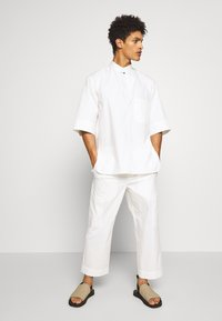 3.1 Phillip Lim - OVERSIZED WASHED BAND COLLAR - Camicia - offwhite - 1