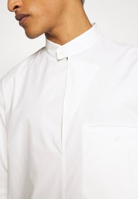 3.1 Phillip Lim - OVERSIZED WASHED BAND COLLAR - Camicia - offwhite - 4