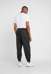 3.1 Phillip Lim - OFFSET ZIPPER TRACK PANT - Kalhoty - black - 2