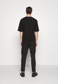 3.1 Phillip Lim - CLASSIC SADDLE PANT CROPPED - Pantalon classique - black - 2