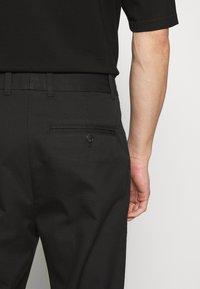 3.1 Phillip Lim - CLASSIC SADDLE PANT CROPPED - Pantalon classique - black - 4