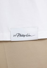 3.1 Phillip Lim - OVERSIZED BOXY VNECK TEE - Jednoduché triko - optic white - 5