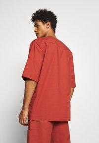 3.1 Phillip Lim - BOXY WASHED - Košile - rust - 2