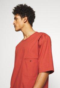 3.1 Phillip Lim - BOXY WASHED - Košile - rust - 5