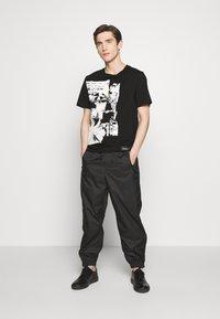 3.1 Phillip Lim - POSTCARD PERFECT TEE - T-shirt imprimé - black - 1