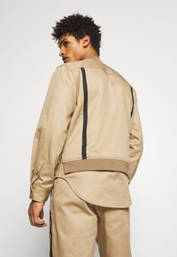 3.1 Phillip Lim - JACKET REMOVABLE TAIL - Cappotto corto - sand - 2