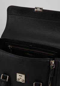 3.1 Phillip Lim - PASHLI MEDIUM SATCHEL - Handbag - black - 4