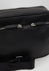 3.1 Phillip Lim - DIEGO CAMERA BAG - Bandolera - black - 6