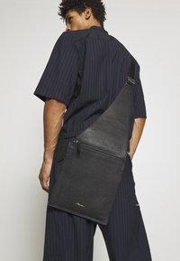 3.1 Phillip Lim - BODY BAG - Borsa a tracolla - black - 1