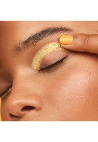 3ina - CREAM EYESHADOW - Eye shadow - 301 yellow - 1
