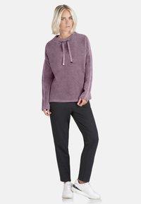 Public - MIT SCHMUCKSTEINEN - Sweatshirt - pink - 1