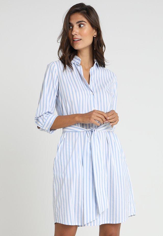 Sukienka koszulowa - weiß/hellblau