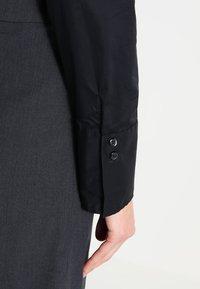 Seidensticker - Komfortable Slim - Button-down blouse - schwarz - 4