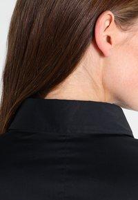 Seidensticker - Komfortable Slim - Button-down blouse - schwarz - 3