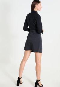 Seidensticker - Komfortable Slim - Button-down blouse - schwarz - 2