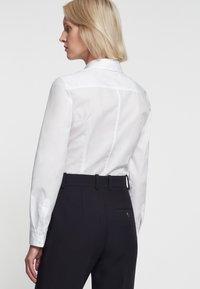 Seidensticker - SCHWARZE ROSE - Button-down blouse - white - 1