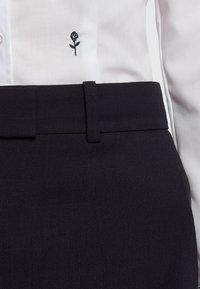 Seidensticker - SCHWARZE ROSE - Button-down blouse - white - 3