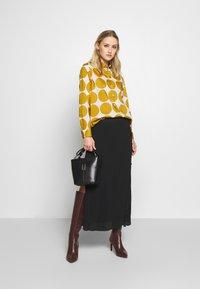Seidensticker - REGULAR FIT - Button-down blouse - golden palm - 1