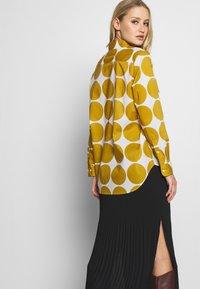 Seidensticker - REGULAR FIT - Button-down blouse - golden palm - 3