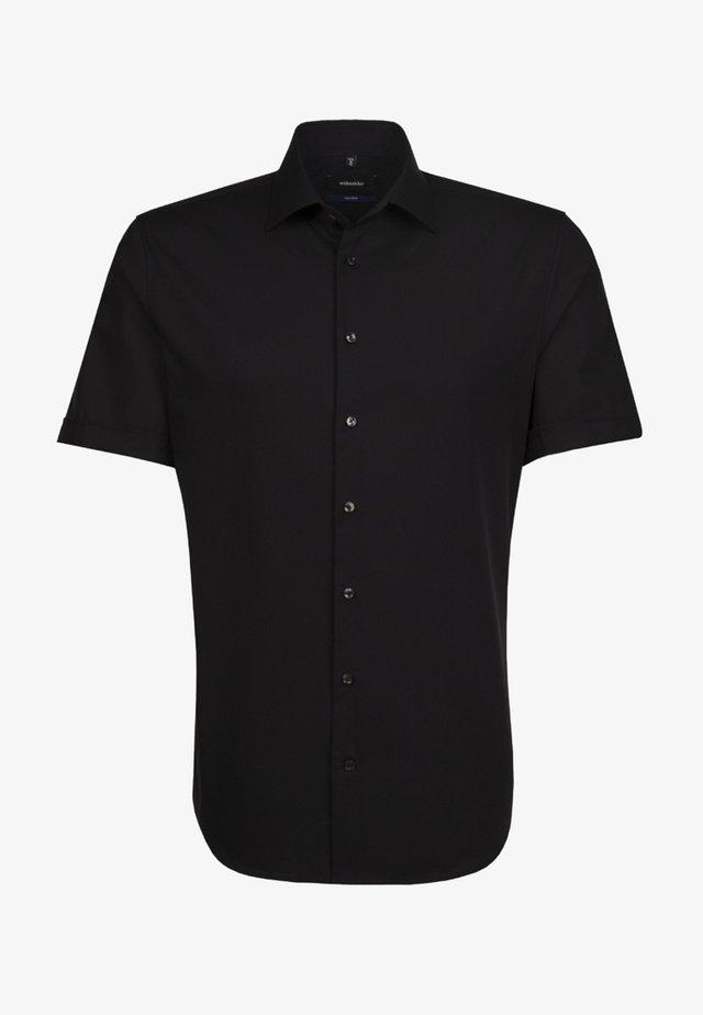 SHAPED FIT - Skjorter - schwarz
