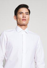Seidensticker - SLIM - Camicia elegante - weiß - 3