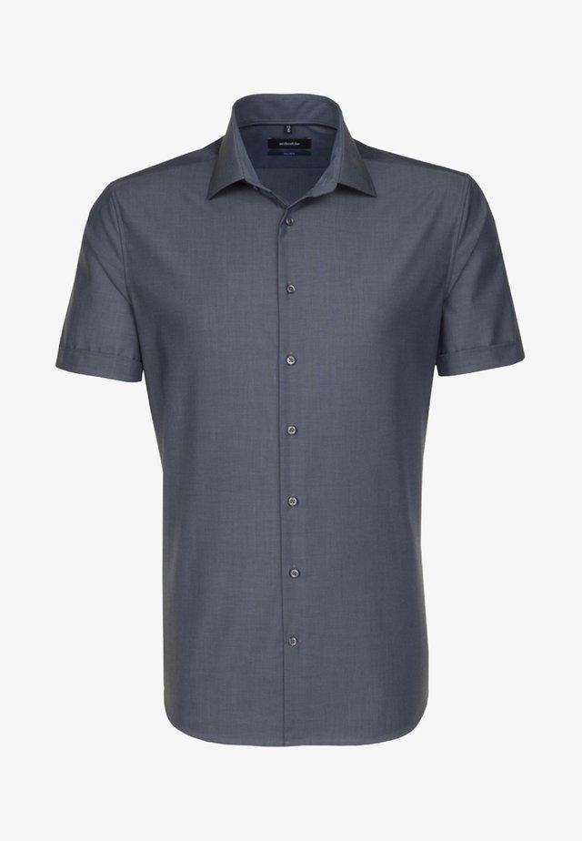 SHAPED FIT - Business skjorter - grau