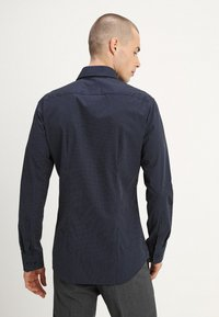 Seidensticker - SLIM FIT SPREAD PATCH  - Camicia elegante - navy - 2