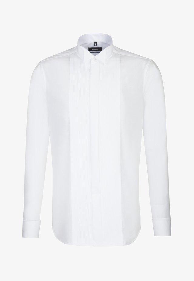 SHAPED FIT - Skjorter - white