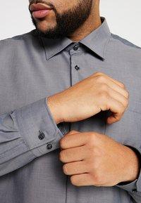Seidensticker - REGULAR FIT - Camicia elegante - grey - 3