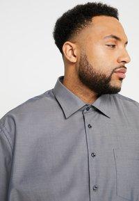 Seidensticker - REGULAR FIT - Camicia elegante - grey - 4