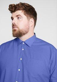 Seidensticker - REGULAR FIT - Formal shirt - blue - 5