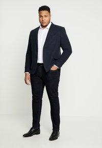 Seidensticker - COMFORT BUSINESS KENT - Formal shirt - white - 1