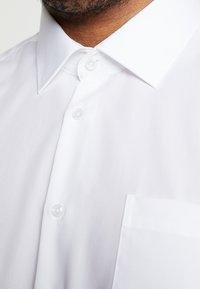 Seidensticker - COMFORT BUSINESS KENT - Formal shirt - white - 3