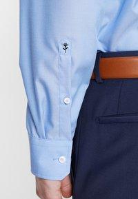 Seidensticker - SPREAD PATCH SLIM FIT - Finskjorte - blau - 6
