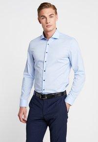 Seidensticker - SLIM SPREAD PATCH - Formální košile - hellblau - 0