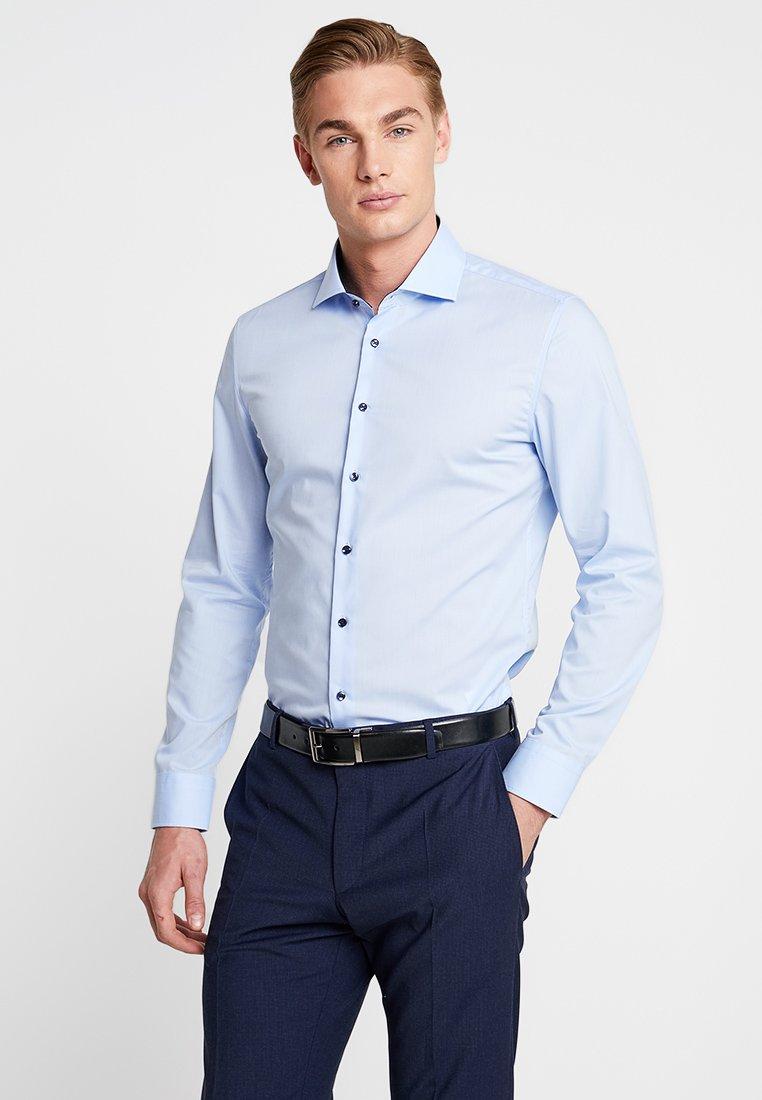 Seidensticker - SLIM SPREAD PATCH - Formální košile - hellblau