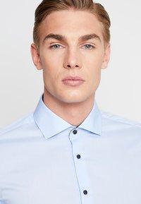 Seidensticker - SLIM SPREAD PATCH - Formální košile - hellblau - 3