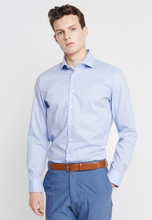 SLIM SPREAD KENT PATCH - Formal shirt - hellblau