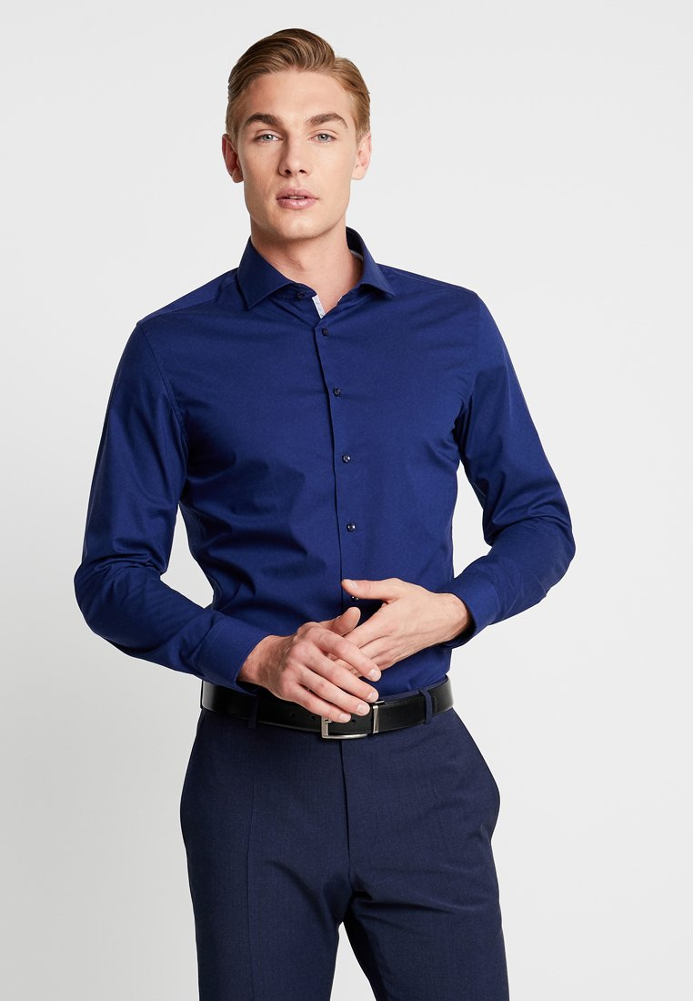 Seidensticker - SPREAD KENT PATCH SLIM FIT - Formal shirt - dark blue