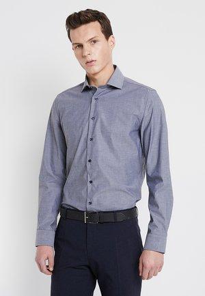 SPREAD PATCH SLIM FIT - Camicia elegante - dunkelblau