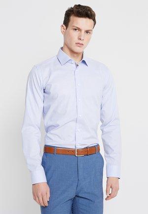 BUSINESS KENT PATCH EXTRA SLIM FIT - Camicia elegante - blau