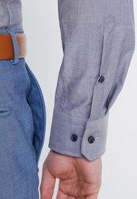 Seidensticker - BUSINESS KENT PATCH EXTRA SLIM FIT - Formální košile - dunkelblau - 6