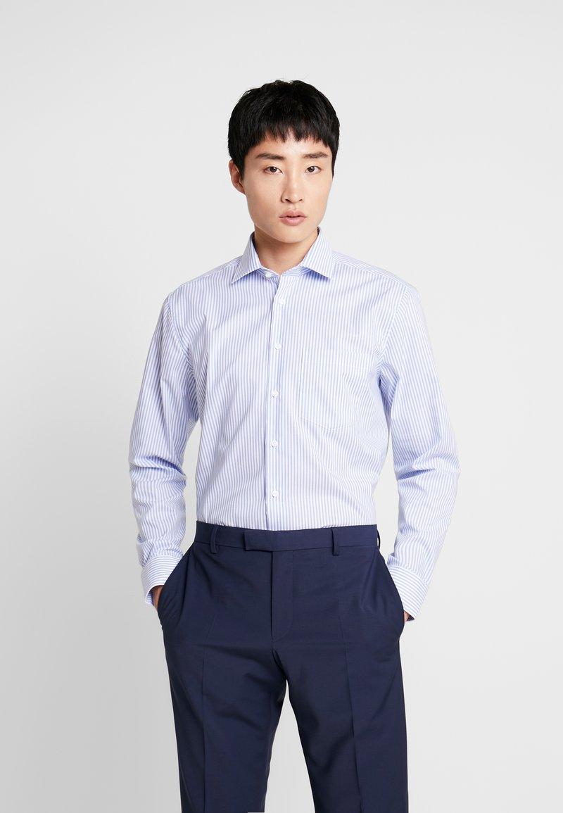 Seidensticker - MODERN FIT BUSINESS KENT - Business skjorter - hellblau
