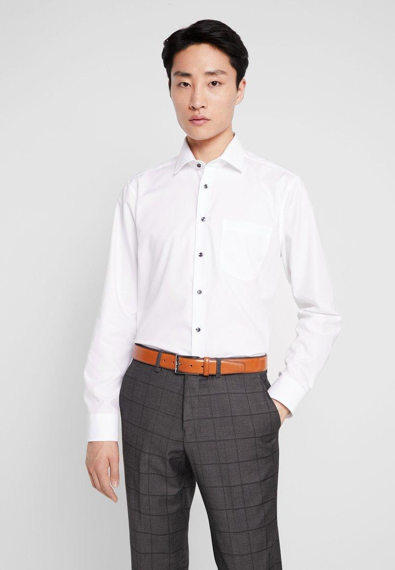 Seidensticker - MODERN FIT  - Business skjorter - weiß