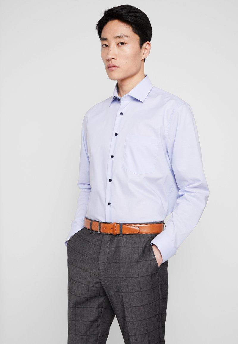 Seidensticker - MODERN FIT  - Skjorter - hellblau