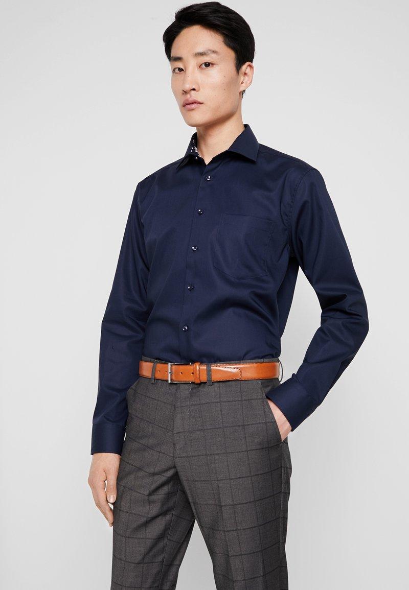 Seidensticker - MODERN FIT BUSINESS  - Formal shirt - dunkelblau
