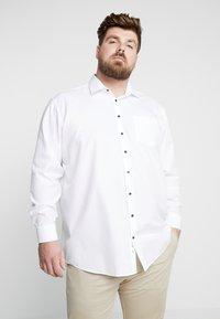 Seidensticker - COMFORT FIT BUSINESS KENT PATCH PLUS - Formal shirt - white - 0