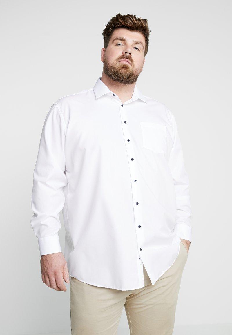 Seidensticker - COMFORT FIT BUSINESS KENT PATCH PLUS - Formal shirt - white