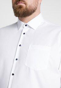 Seidensticker - COMFORT FIT BUSINESS KENT PATCH PLUS - Formal shirt - white - 5